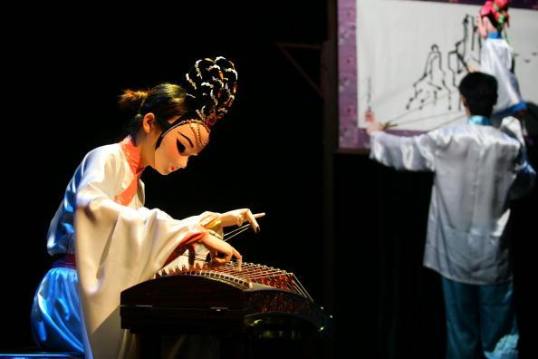 シタール「Golden Lion Award National Puppet And Shadow Play Competition」:写真・画像(19)[壁紙.com]