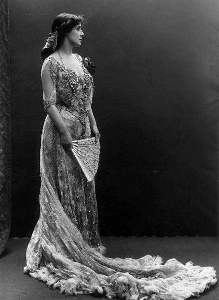 Evening Wear「Mrs Daventry」:写真・画像(11)[壁紙.com]