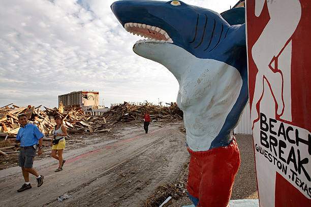 Coastal Texas Faces Heavy Damage After Hurricane Ike:ニュース(壁紙.com)