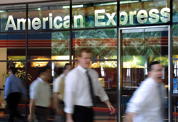 American Express「American Express To Cut 4,000 To 5,000 Jobs」:写真・画像(1)[壁紙.com]