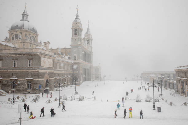 Snow Hits Madrid As Temperatures Plummet In Spain:ニュース(壁紙.com)