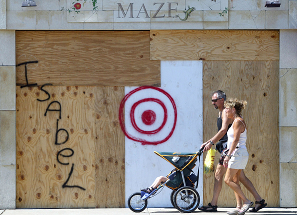 Plywood「Hurricane Isabel Heads Towards East Coast」:写真・画像(4)[壁紙.com]