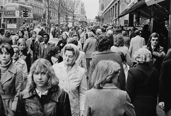 John Minihan「Oxford Street, 1976」:写真・画像(19)[壁紙.com]