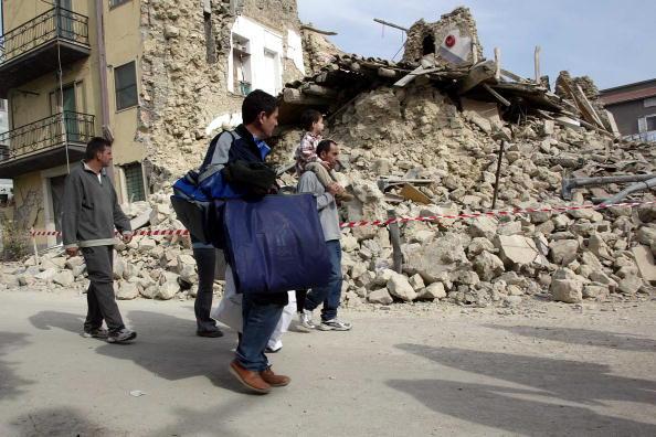 Effort「Killer Earthquake Rocks South Central Italy」:写真・画像(4)[壁紙.com]