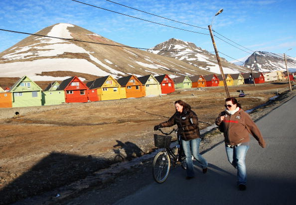 Svalbard Islands「Midsummer In The Arctic Archipelago Svalbard」:写真・画像(16)[壁紙.com]