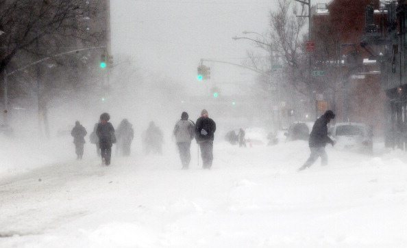 Snow「US East Coast Begins To Dig Out After Large Blizzard」:写真・画像(19)[壁紙.com]