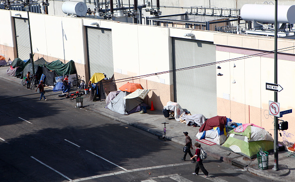 Homelessness「Los Angeles Seeks To Increase Restrictions On Homeless Sleeping On Sidewalks」:写真・画像(7)[壁紙.com]