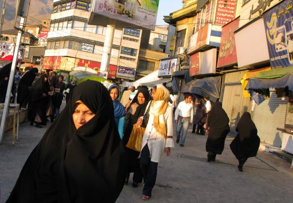 Large Group Of People「Tajrish Square」:写真・画像(10)[壁紙.com]