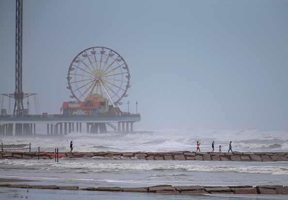 Galveston - Texas「Texas And Louisiana Prepare For Direct Hit From Hurricane Laura」:写真・画像(4)[壁紙.com]