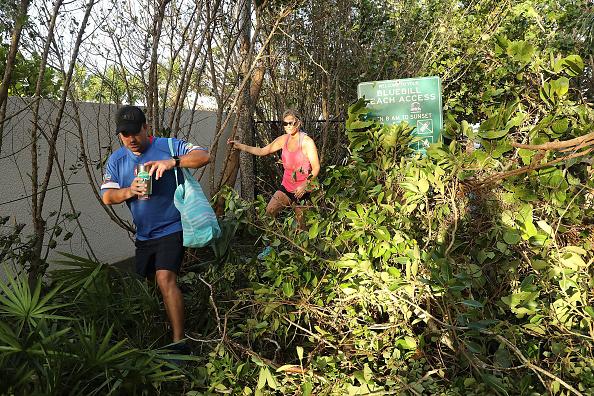 Naples - Florida「Powerful Hurricane Irma Slams Into Florida」:写真・画像(4)[壁紙.com]