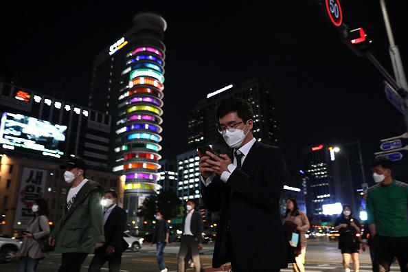 South Korea「South Korea Slowly Recovers From Coronavirus Outbreak」:写真・画像(9)[壁紙.com]