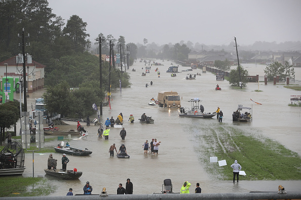 トピックス「Epic Flooding Inundates Houston After Hurricane Harvey」:写真・画像(10)[壁紙.com]