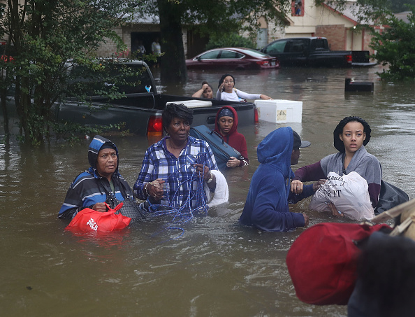 Evacuation「Epic Flooding Inundates Houston After Hurricane Harvey」:写真・画像(18)[壁紙.com]