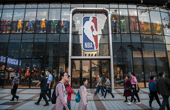 NBA「NBA Moves To Salvage Its Brand In China」:写真・画像(9)[壁紙.com]
