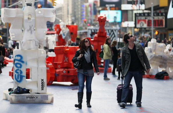 Recycling「Brazilian Street Artist Bel Borba Shows Public Sculptures In Times Square」:写真・画像(0)[壁紙.com]