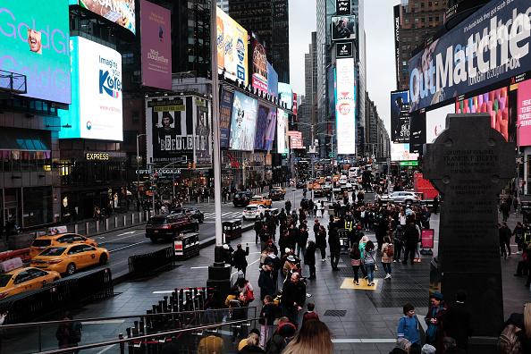 People「New York City On Edge As Coronavirus Spreads」:写真・画像(18)[壁紙.com]