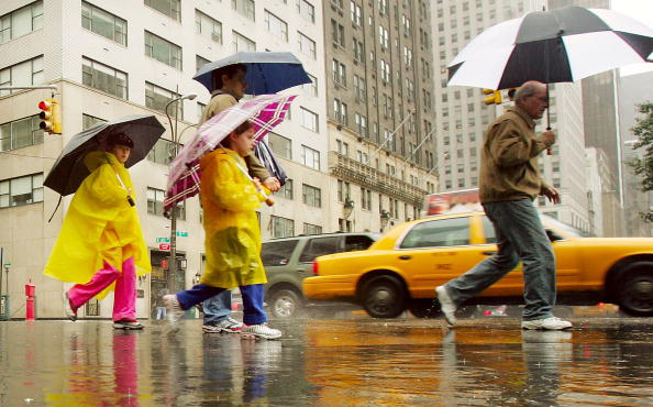 Raincoat「Rain Drenches Northeastern U.S.」:写真・画像(14)[壁紙.com]