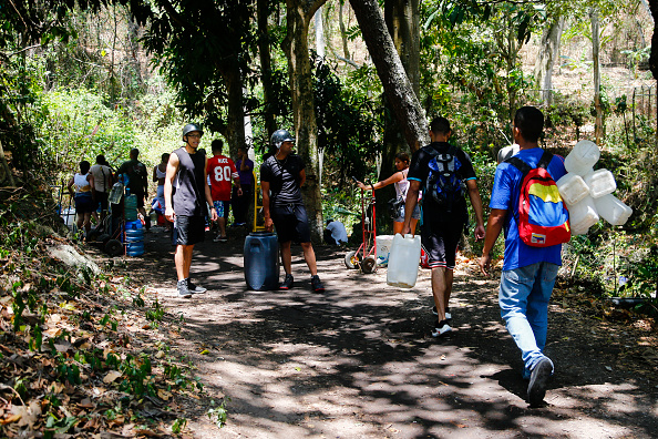 Water「Ongoing Political Turmoil Sparks More Protests As Venezuela's Power Grid Fails」:写真・画像(1)[壁紙.com]