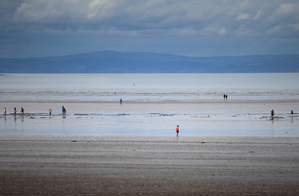 Weston-super-Mare「The Coldest Summer In Parts Of The UK For Nearly 20 Years」:写真・画像(11)[壁紙.com]
