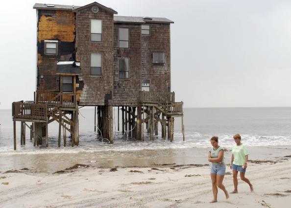 Coastal Feature「Hurricane Ophelia Closes In On North Carolina Coast」:写真・画像(7)[壁紙.com]