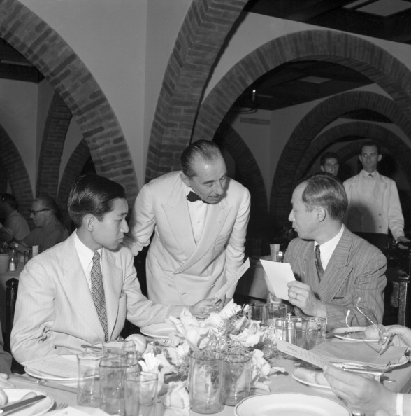 Emperor Akihito「At The Restaurant」:写真・画像(5)[壁紙.com]