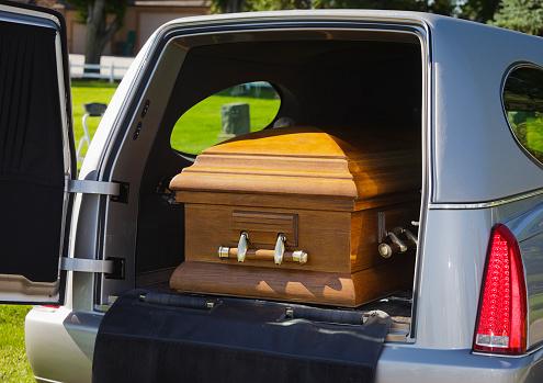 Funeral「Casket in a Hearse」:スマホ壁紙(8)