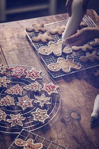 ケーキ「アイシングで飾るクリスマスのクッキー」:スマホ壁紙(6)