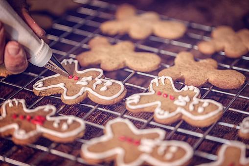 ケーキ「アイシングで飾るクリスマスのクッキー」:スマホ壁紙(5)
