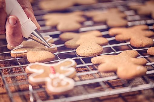 ケーキ「アイシングで飾るクリスマスのクッキー」:スマホ壁紙(4)