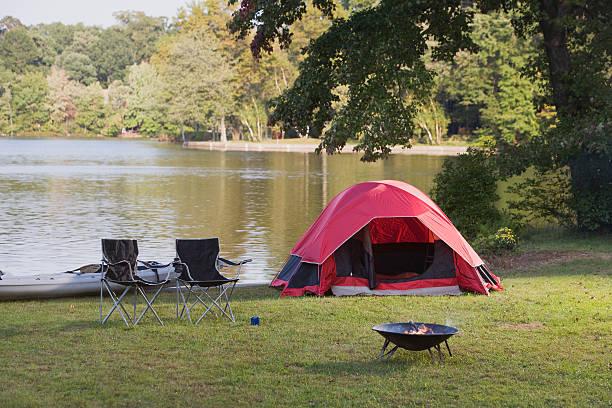 Campsite by lake:スマホ壁紙(壁紙.com)
