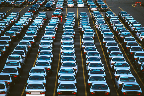 1990~1999年「Automobile imports on docks」:スマホ壁紙(16)