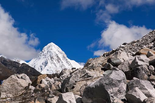 Khumbu「View of Pumo Ri, Nepal」:スマホ壁紙(15)