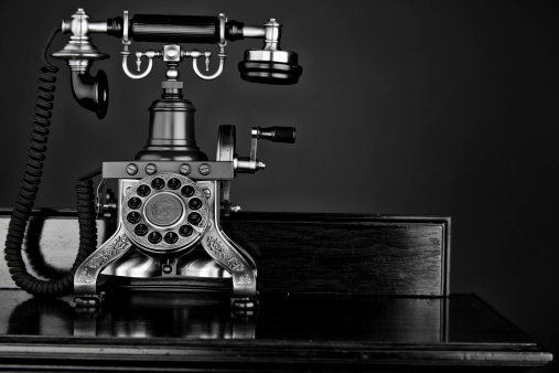 19th Century「Mono Photo Of An Old-fashioned Telephone」:スマホ壁紙(7)