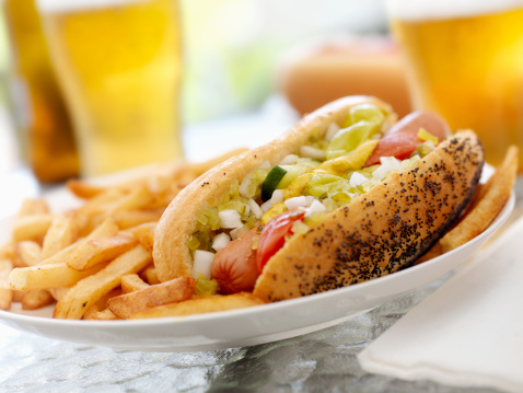 Chicago - Illinois「Classic Chicago Dog with Fries」:スマホ壁紙(19)