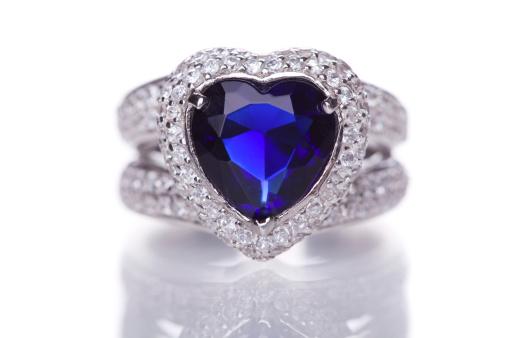 Heart「Fashion ring with blue heart shaped gem」:スマホ壁紙(14)
