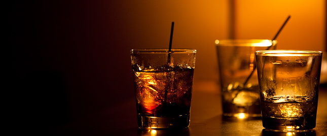Whiskey「Drinks at a bar」:スマホ壁紙(13)