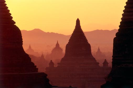 2002「Myanmar, Bagan, temples at dawn」:スマホ壁紙(16)