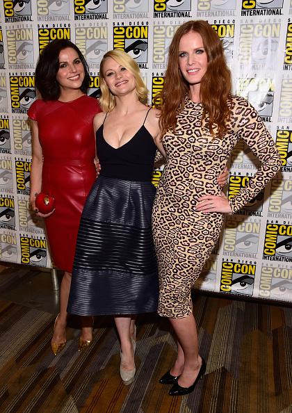 "Emilie De Ravin「Comic-Con International 2016 - ""Once Upon A Time"" Press Line」:写真・画像(14)[壁紙.com]"