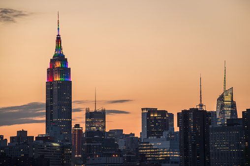 Parade「Empire State Building pride sunset」:スマホ壁紙(3)