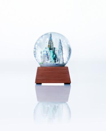 Souvenir「Empire State building snow globe, close-up」:スマホ壁紙(19)