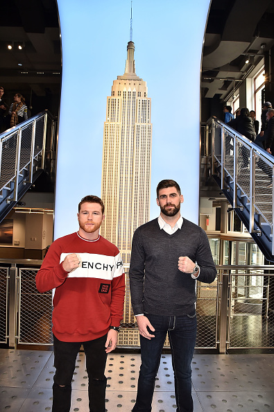 Saul Alvarez「Empire State Building Hosts Boxing Champs Canelo Alvarez And Rocky Fielding」:写真・画像(15)[壁紙.com]
