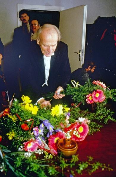 Bouquet「Yehudi Menuhin」:写真・画像(11)[壁紙.com]