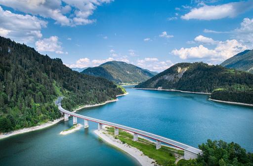 Lenggries「Bridge across Sylvenstein lake」:スマホ壁紙(14)