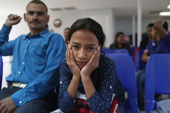 Waiting「Immigrant Respite Center Aids Asylum Seekers On Journey North」:写真・画像(17)[壁紙.com]