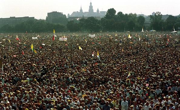 Crowd「Pope John Paul II Visitis Poland」:写真・画像(9)[壁紙.com]