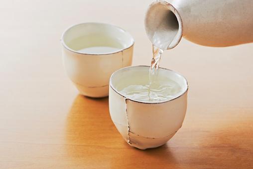 Sake「Sake bottle and two cups」:スマホ壁紙(16)