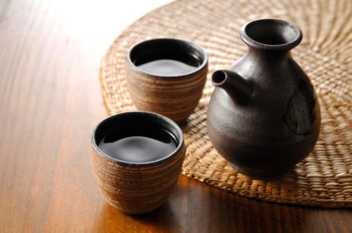 日本酒「Sake bottle and sake cup」:スマホ壁紙(5)