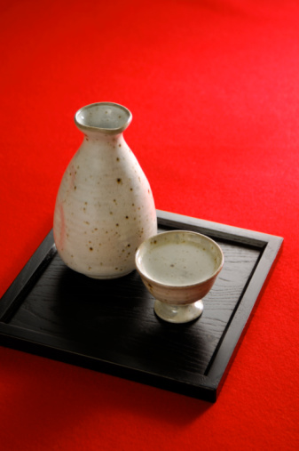酒「Sake bottle and sake cup」:スマホ壁紙(16)