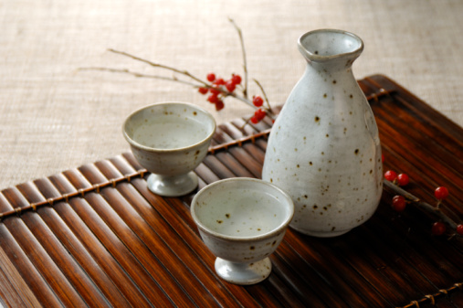 Sake「Sake bottle and sake cup」:スマホ壁紙(8)