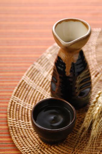 Sake「Sake bottle and sake cup」:スマホ壁紙(4)